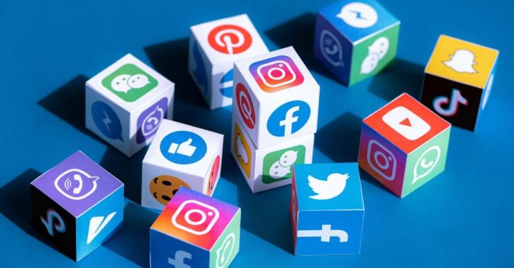 هل تغنيك الشبكات الاجتماعية عن استخدام المواقع الإلكترونية؟